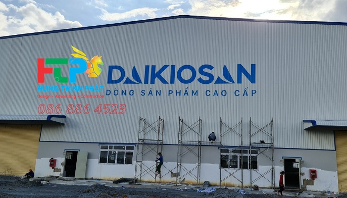 Paint the logo on the roof, paint brand identity logo